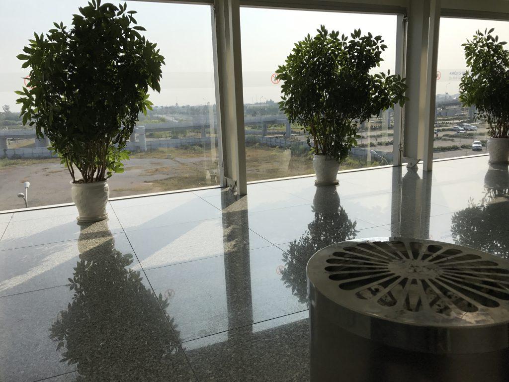 ハノイ空港喫煙所内部