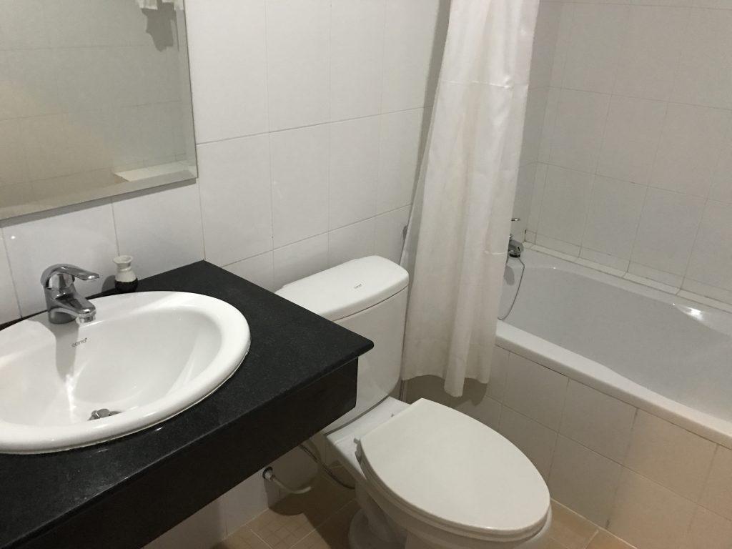 コープレイホテルトイレ