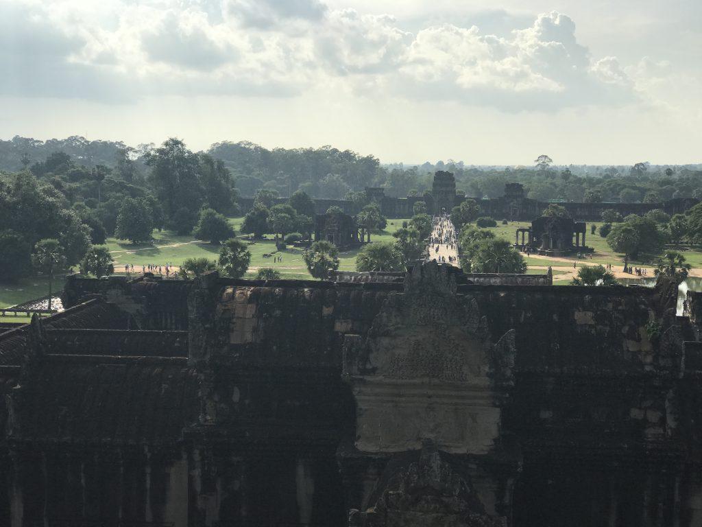第三回廊から正面口眺望