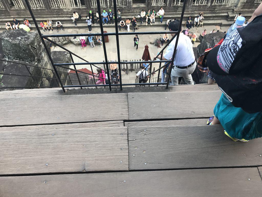 第三回廊階段上
