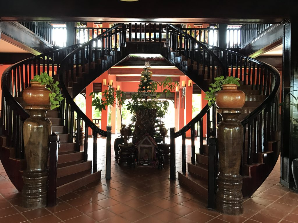 ブティックホテル2階への階段