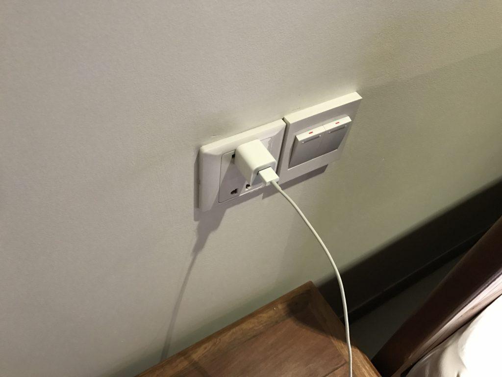 コープレイホテル電源