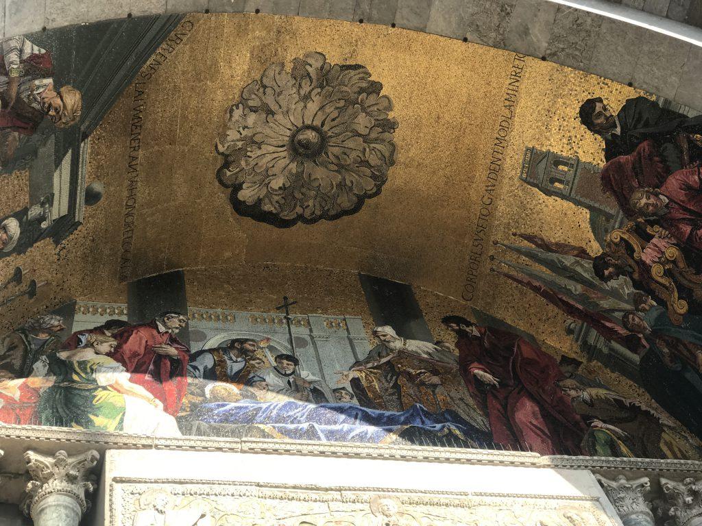 サン・マルコ寺院入口