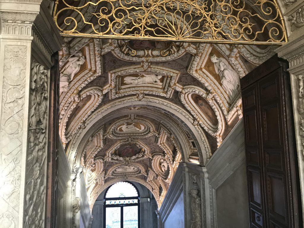 ドゥカーレ宮殿階段