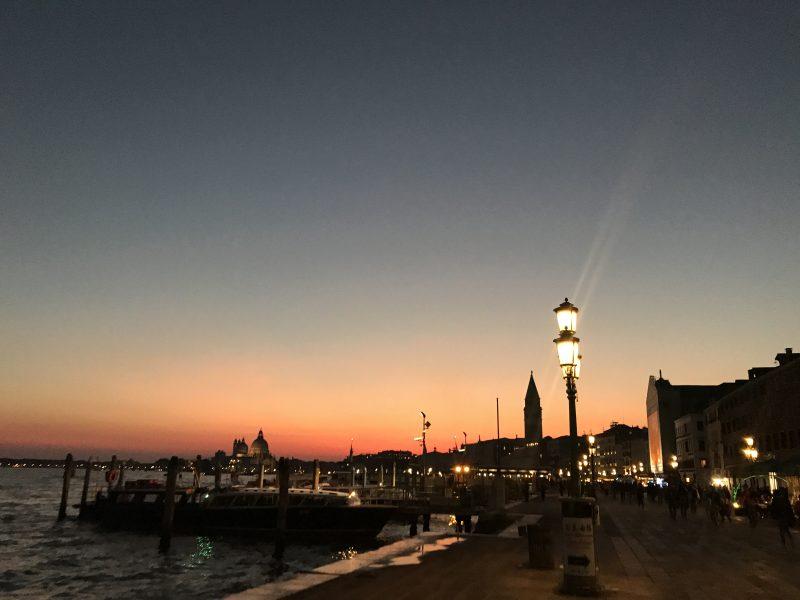 ベネチア夕景