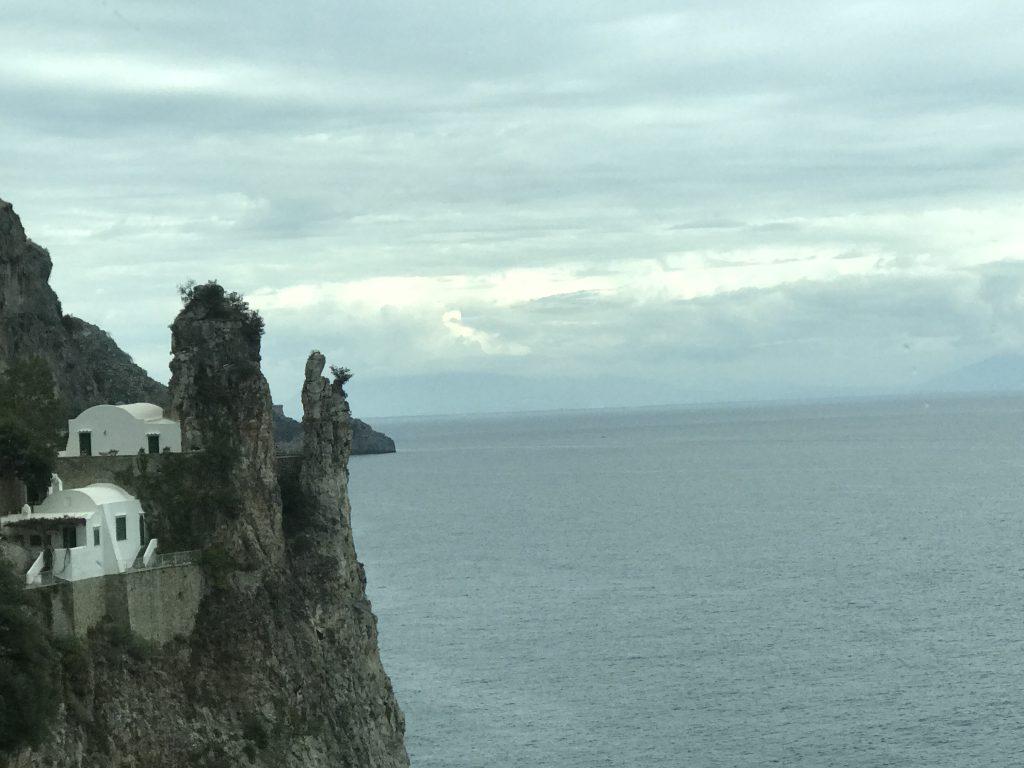 アマルフィ マリア岩
