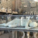 2000年を遡るポンペイ遺跡観光!売春宿や浴場から生活を紐解く
