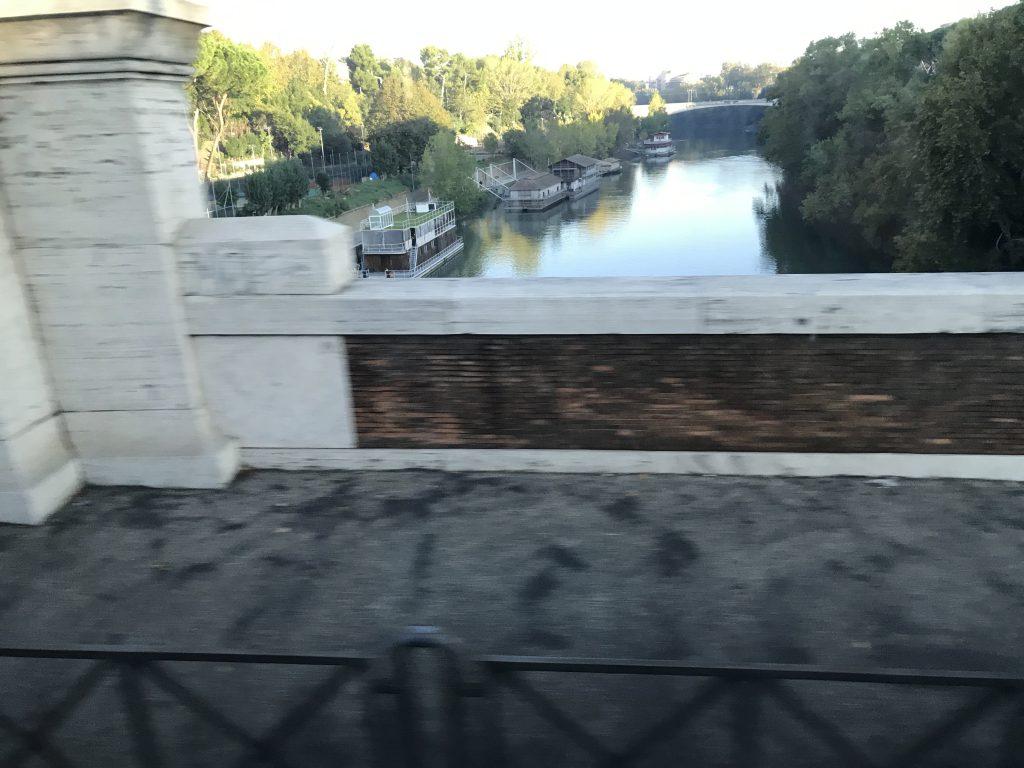 ローマ テヴェレ川