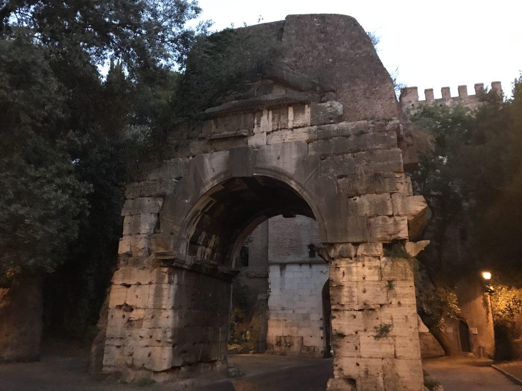 アッピア門の裏側