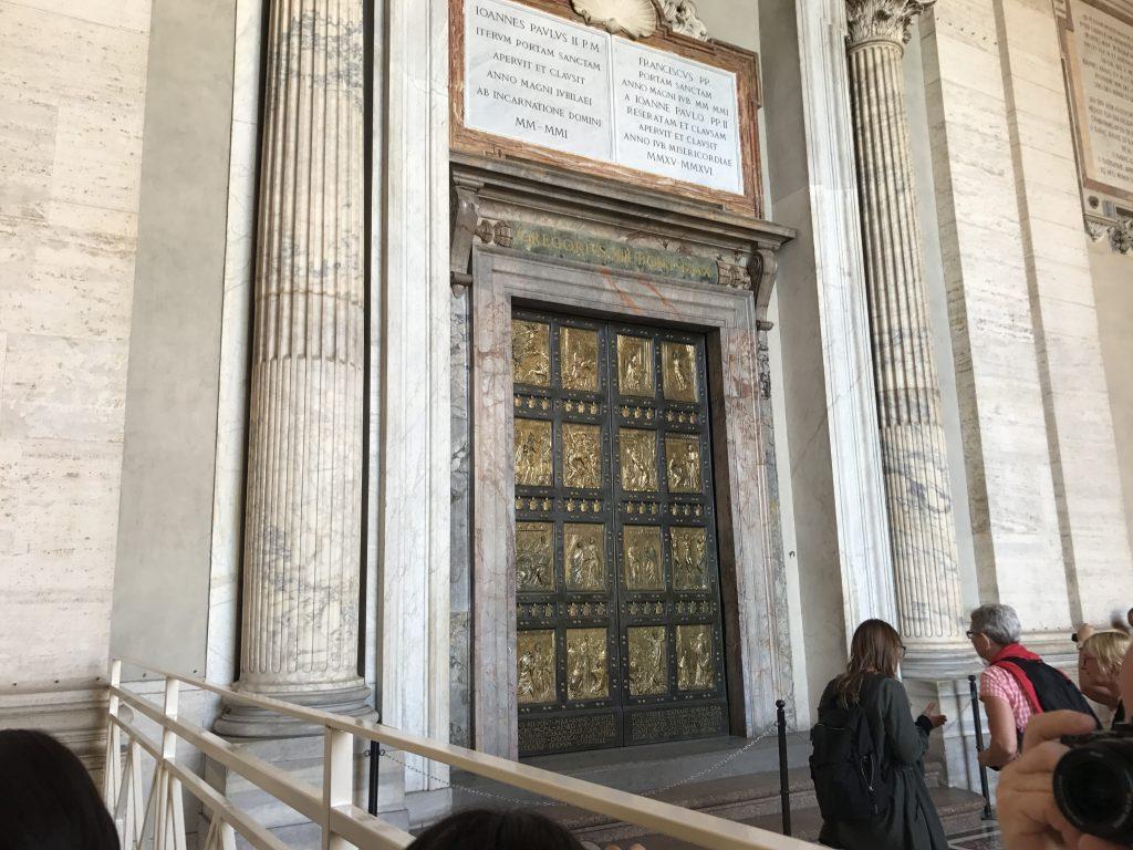サン・ピエトロ大聖堂 聖なる扉