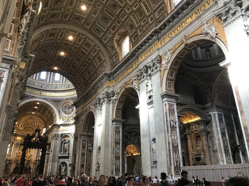 ローマカトリックの総本山!世界一の教会サン・ピエトロ大聖堂へ