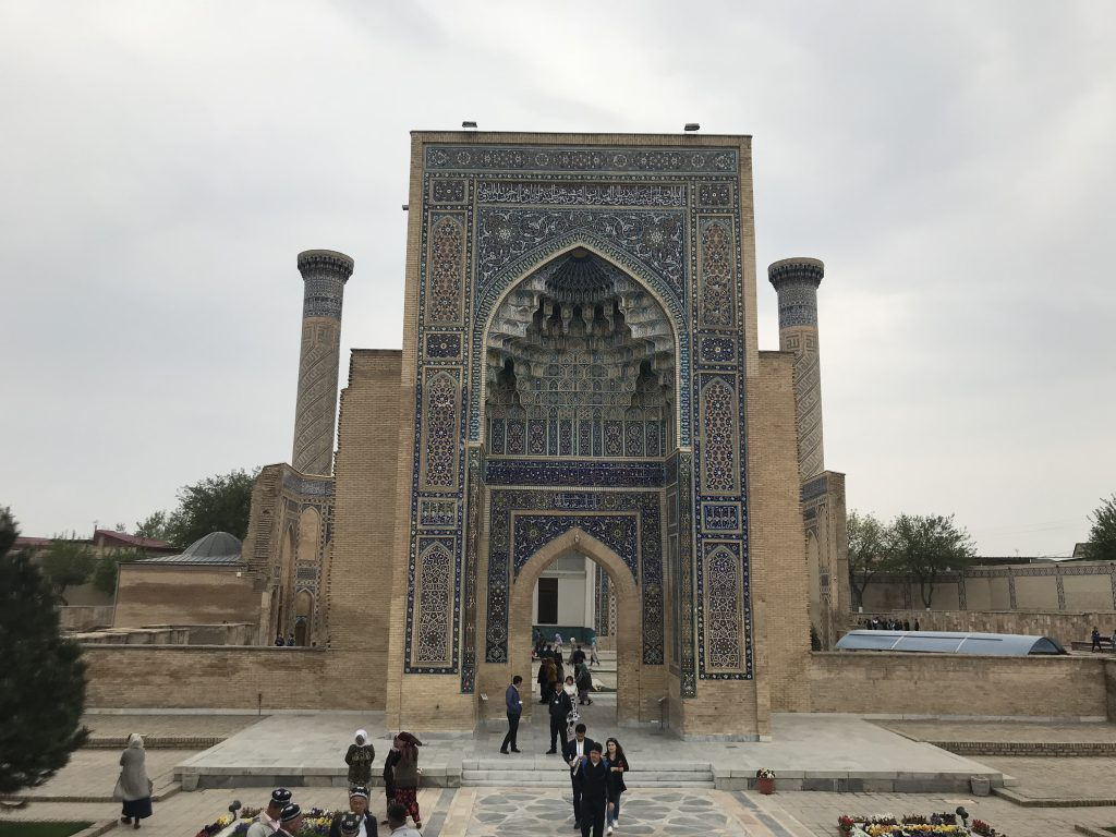 グーリアミール廟正門