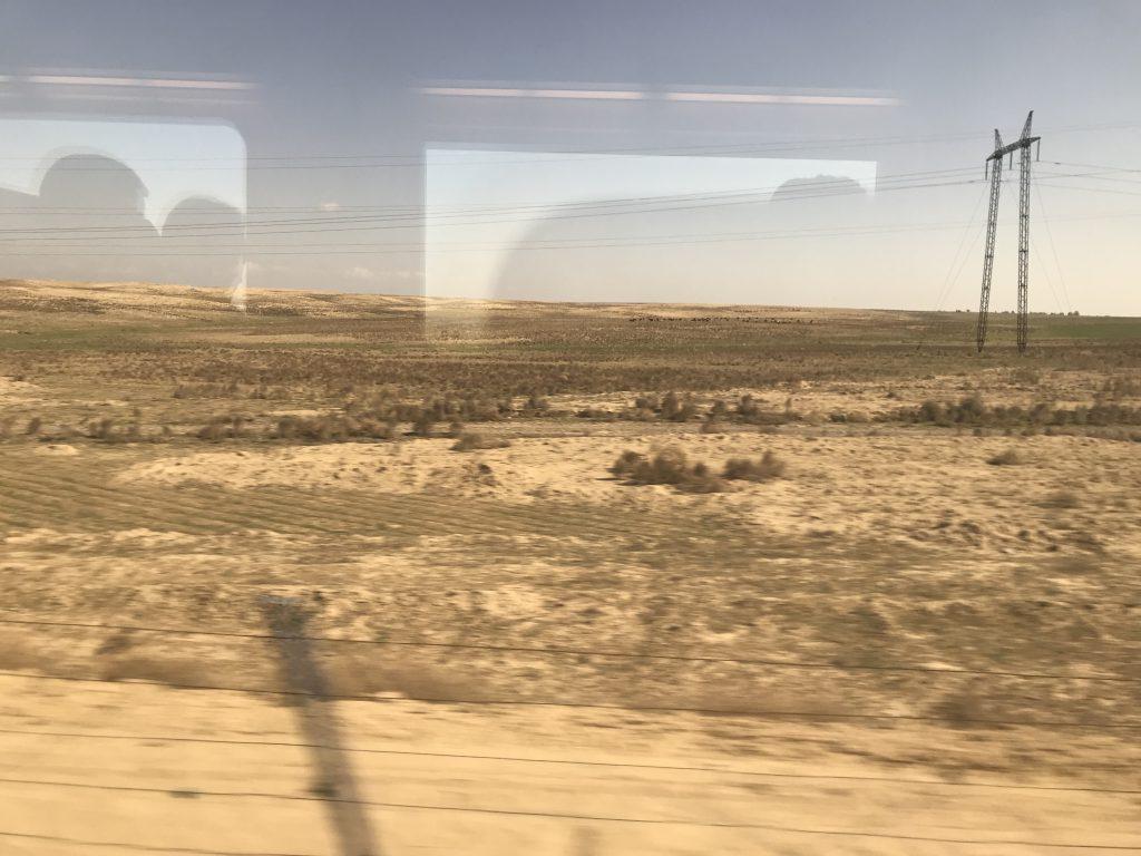 アフラシャブ号からの車窓