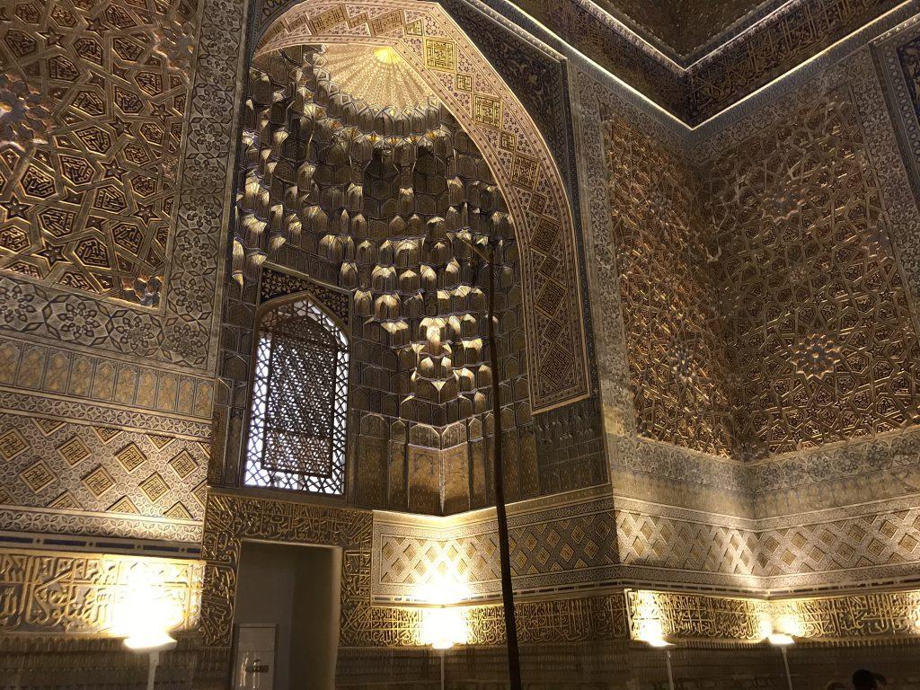 グーリアミール廟内部