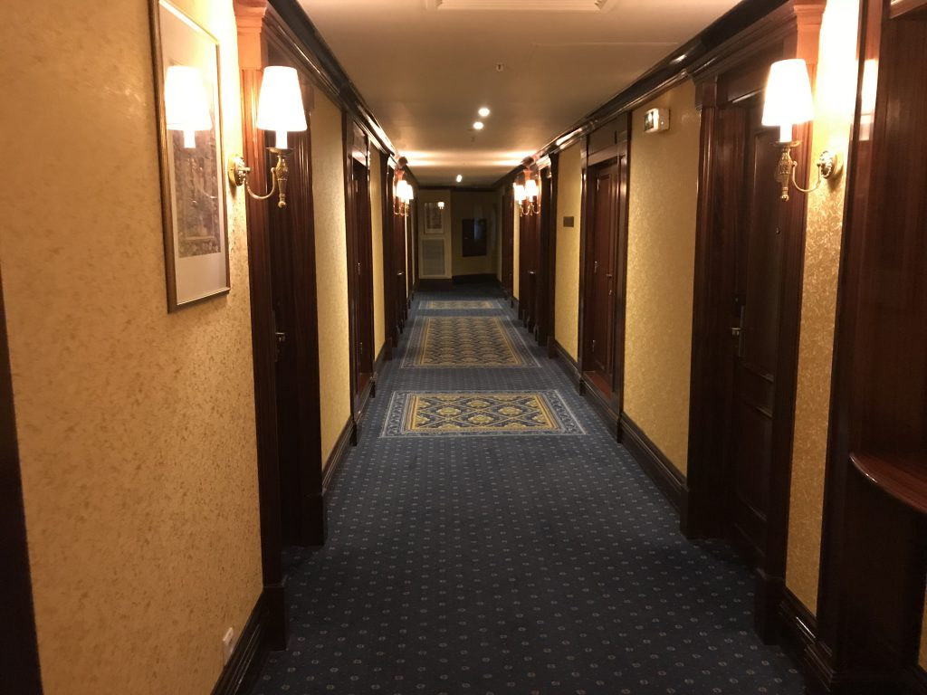 シティパレスホテル 廊下