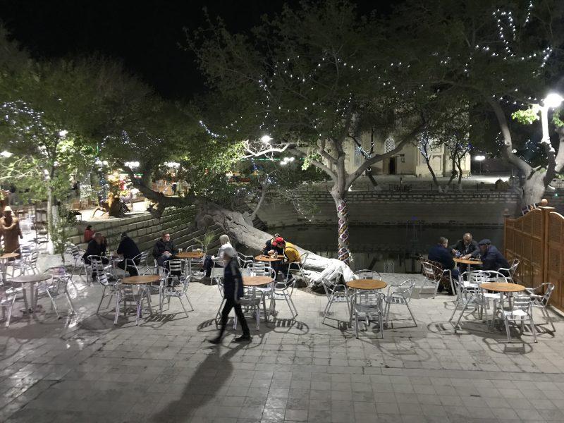 ブハラの中心ラビハウズとその周辺観光!旧ユダヤ人街で小学校も訪問