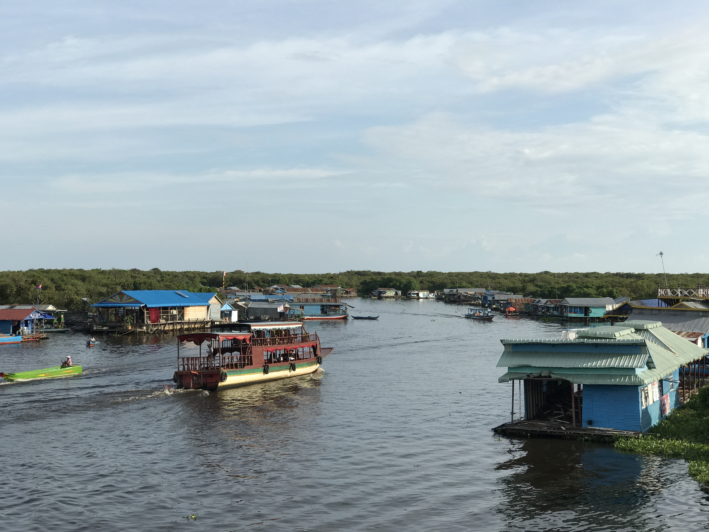 カンボジアの水瓶トンレサップ湖クルーズへ!良いことも悪いことも