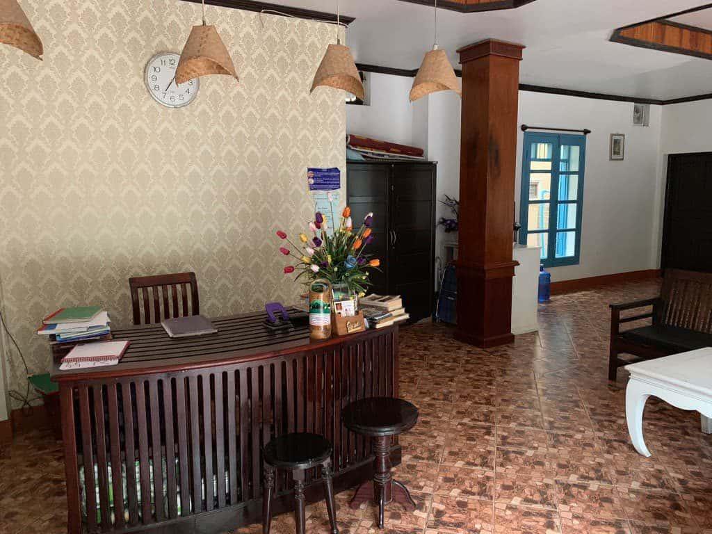 ルアンパバーンホテル ロビー