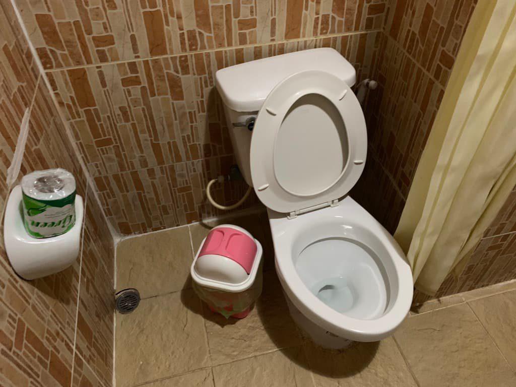 ルアンパバーンホテル トイレ