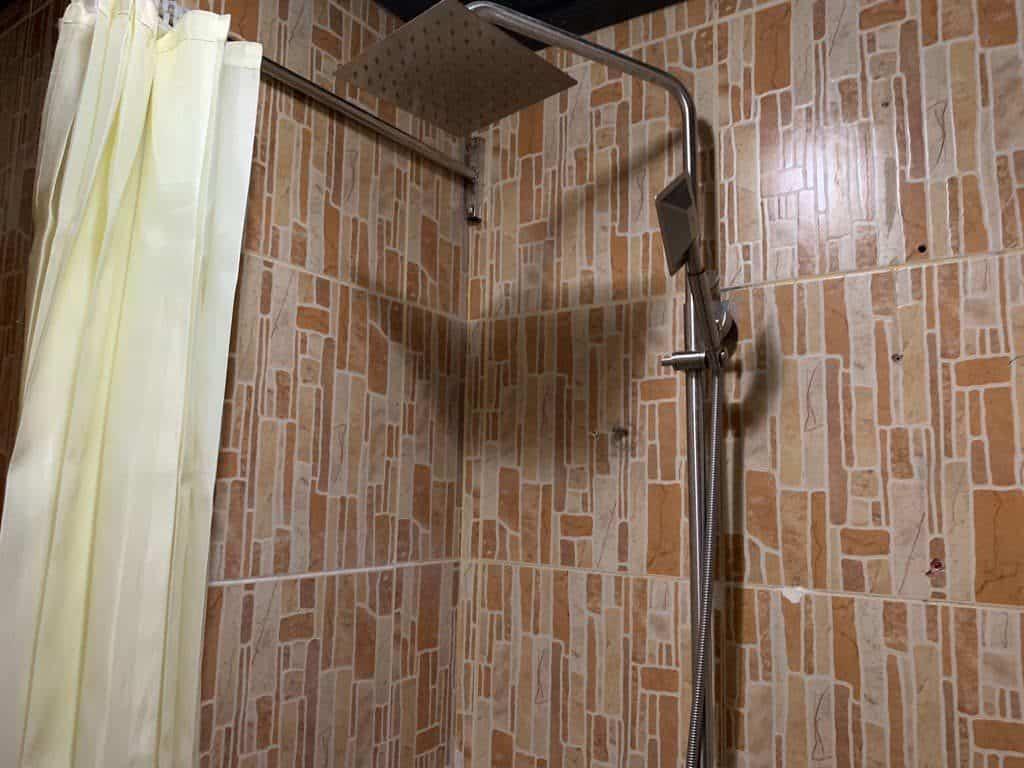 ルアンパバーンホテル シャワー