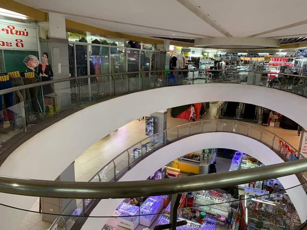 タラートサオ ショッピングモール