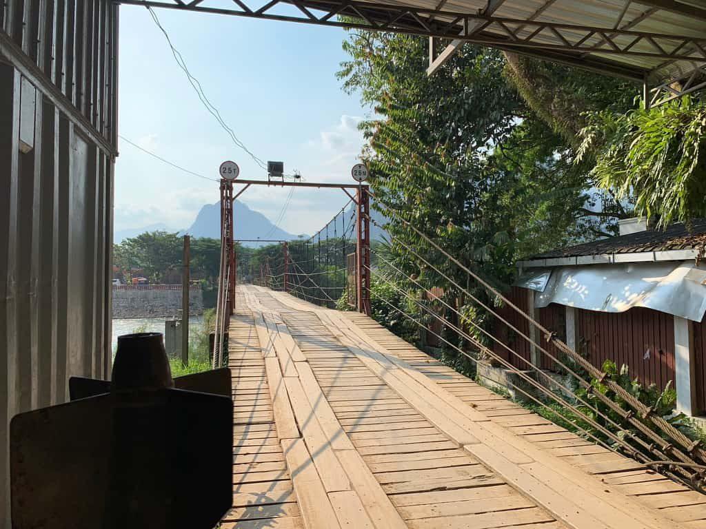 バンビエン 橋