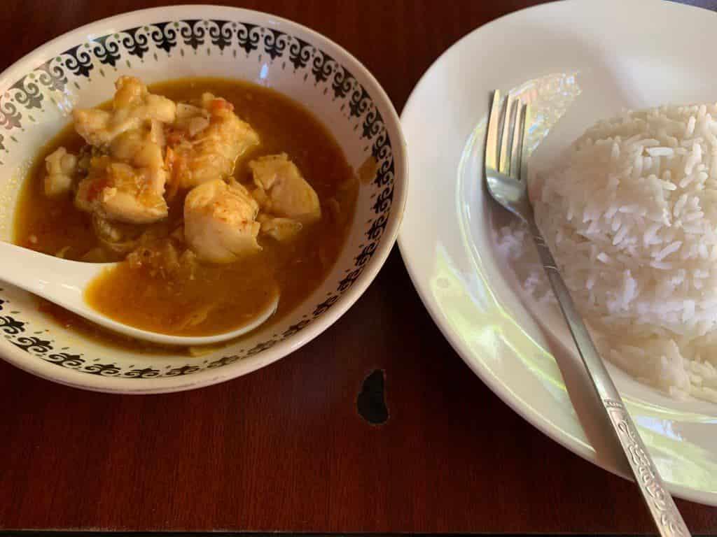 ミャンマーシャバシャバスープカレー
