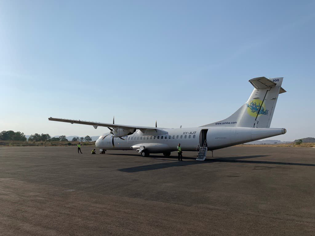エアカンボーザ プロペラ機