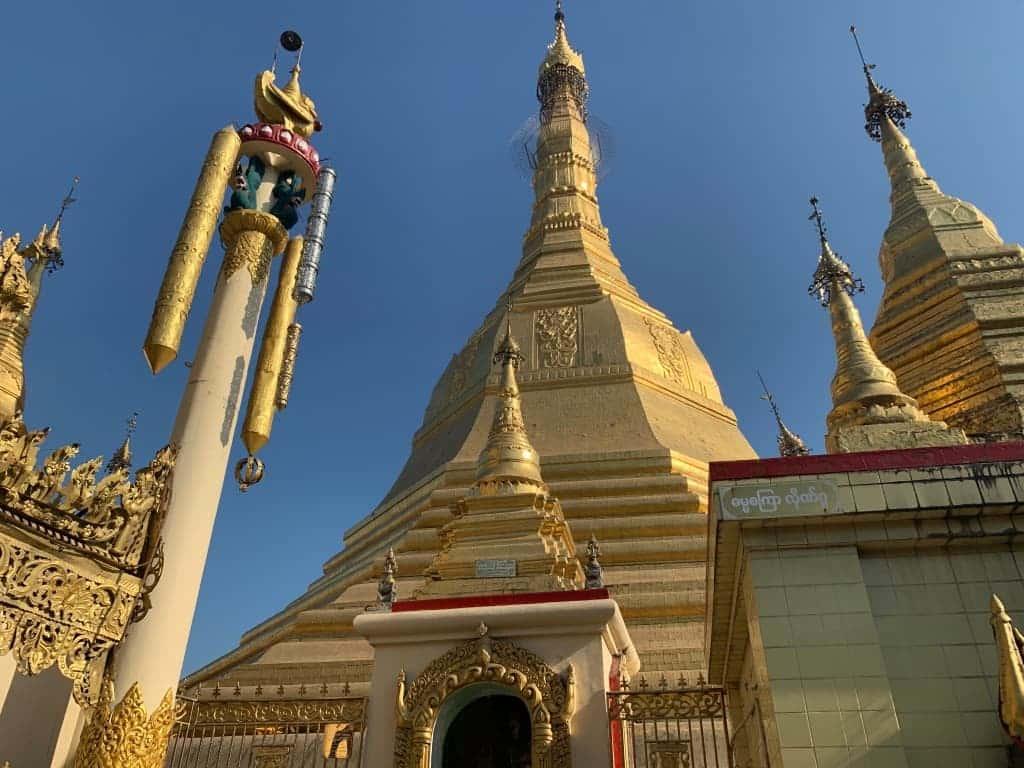 ヤンゴンの中心スーレーパゴダの入場料や営業時間など!夜の様子も