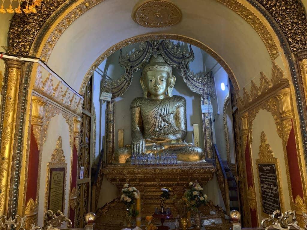 インディン遺跡 仏像