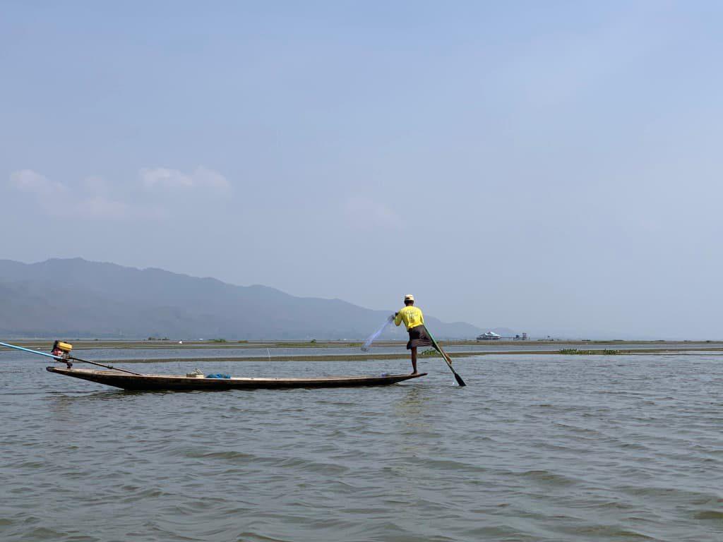 インレー湖 本物の漁師さん