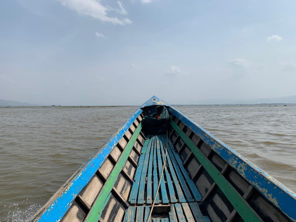 インレー湖 ボート