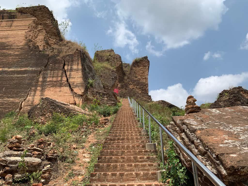 ミングォンパゴダ 階段