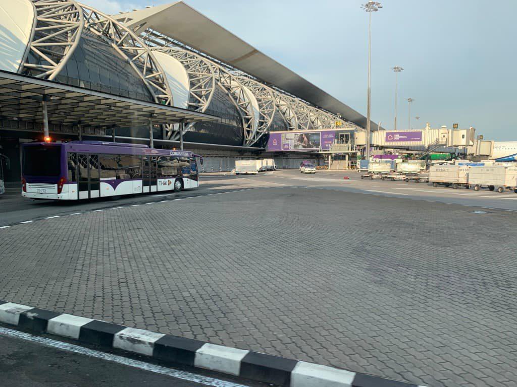 スワンナプーム国際空港内バス