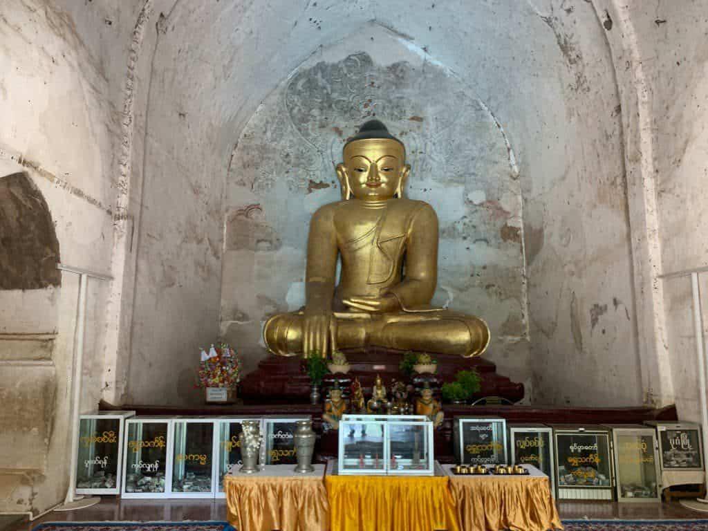 ゴドーバリィン寺院 仏像