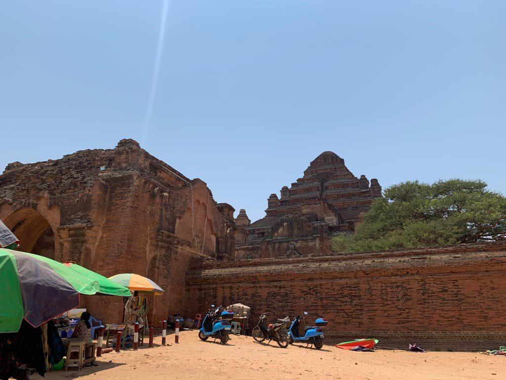 ダマヤンジー寺院 外観