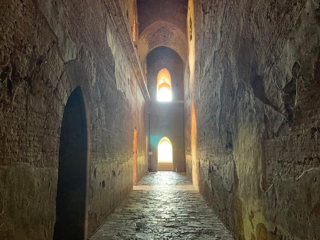 ダマヤンジー寺院 回廊