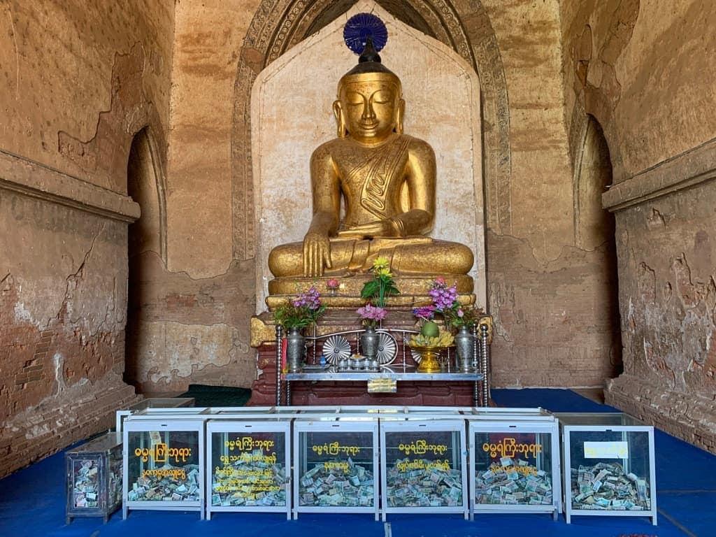 ダマヤンジー寺院 仏像様