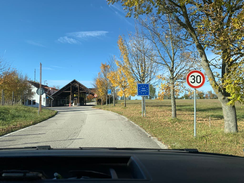 オーストリア チェコ 国境