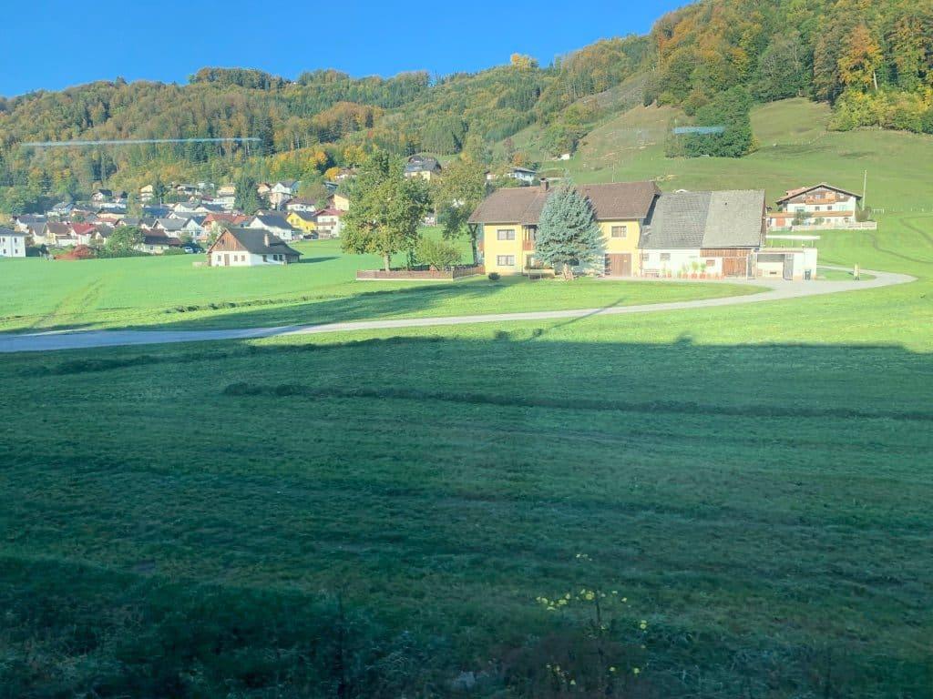 オーストリア連邦鉄道からの景色