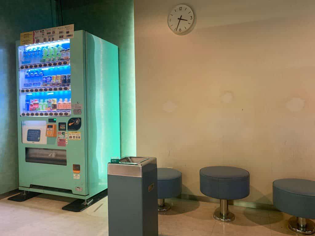成田第二ターミナル喫煙所