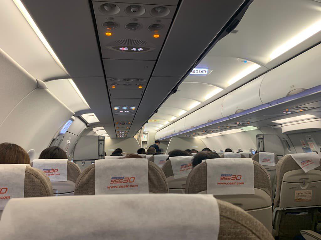 中国東方航空 機内
