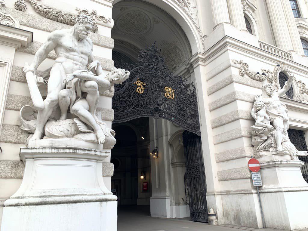 ホーフブルク宮殿入口