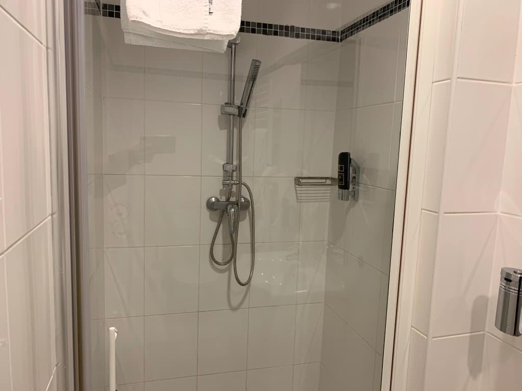 ホテルアレグロウィーン シャワー
