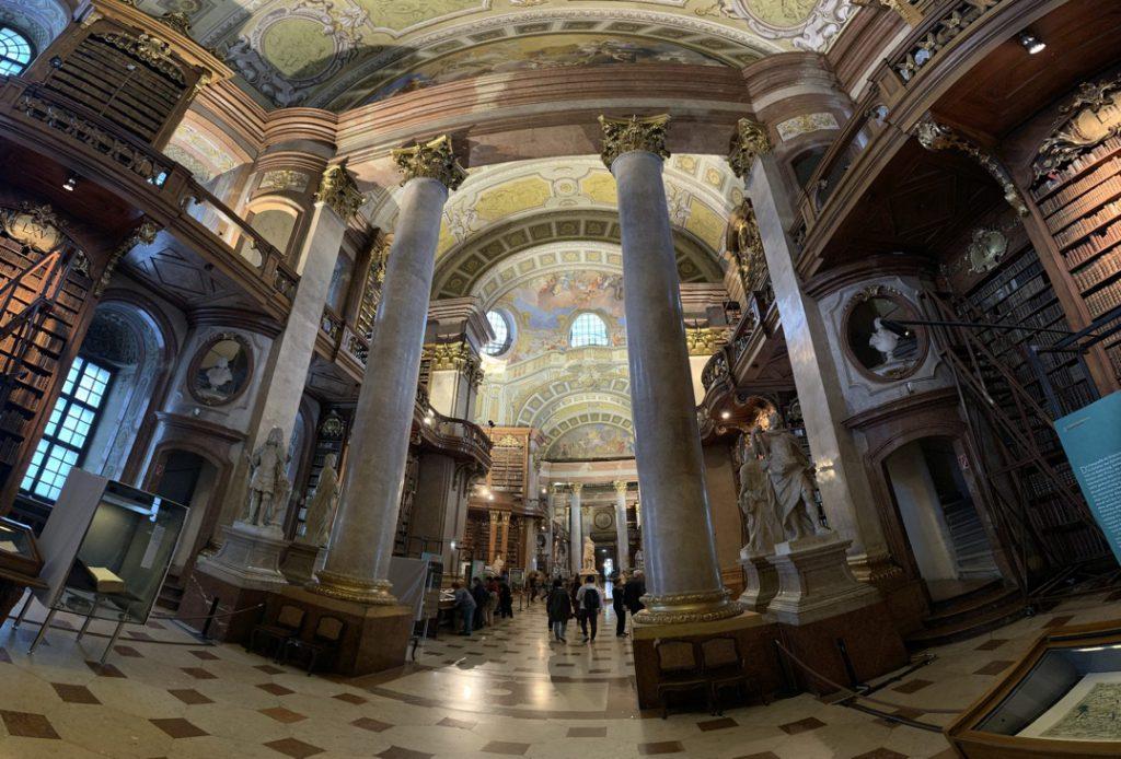 オーストリア国立図書館 広角レンズ撮影