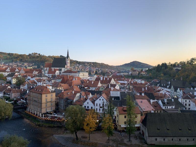 チェスキークルムロフ城からの旧市街眺望