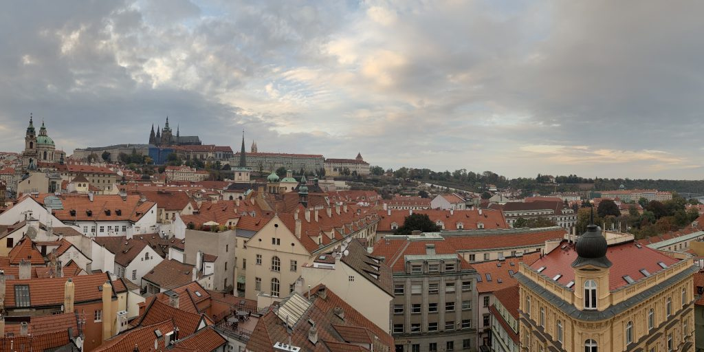 マラー・ストラナ橋塔からプラハ城の眺望