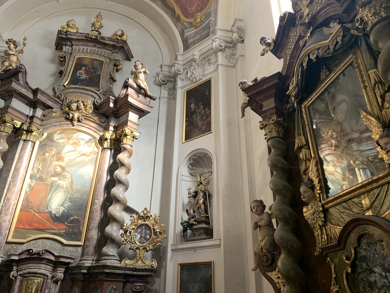 聖イジー教会  内装