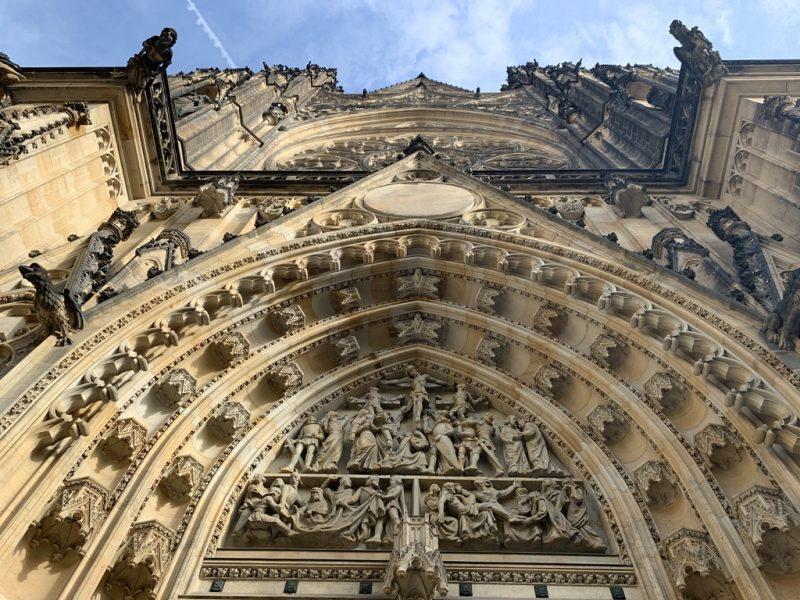 聖ヴィート大聖堂正面入口