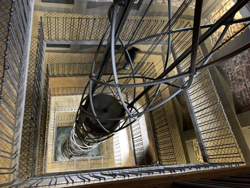 プラハ旧市庁舎エレベーター
